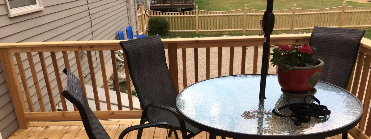 Cedar Deck & Rails